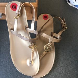 NWOT Michael Kors t strap gold sandals